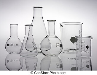 ガラス製品, 研究所, 分類される
