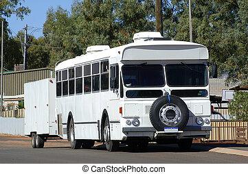 キャンプ場, バス, because, 取り決められた