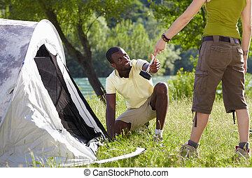 キャンプ, 人
