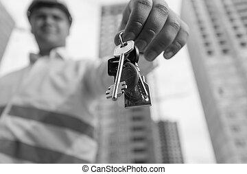キー, イメージ, house., 若い, 建設, 黒, 保有物, 肖像画, 概念, 新しい, 白, home., 微笑, エンジニア