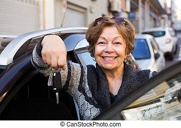 キー, 女, 自動車