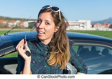 キー, 車の女性