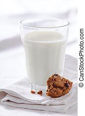 クッキー, ミルク, 食べられた, 半分