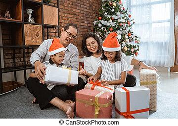 クリスマス, の間, 家族, 交換, 贈り物