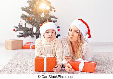 クリスマス, ホリデー, -, イブ, 親, 家, 単一 母, 肖像画, 祝う, 概念