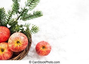 クリスマス, 構成, ∥で∥, 赤いリンゴ, 中に, バスケット, そして, ブランチ, の, 雪で覆われている, トウヒ