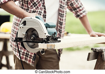 クローズアップ, の, 大工, 切断, a, 木製の板