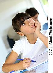 クローズアップ, の, 女生徒, クラスで, ∥で∥, 思いやりがある, 見なさい