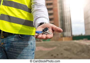 クローズアップ, キー, 若い, 手, 建築家, 保有物, 家, 新しい