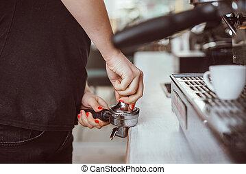 クローズアップ, tamper., barista, 出版物, コーヒー, 手, 使うこと, 地面, 光景
