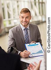 グラフ, 微笑, ミーティング, ビジネス, ビジネスマン