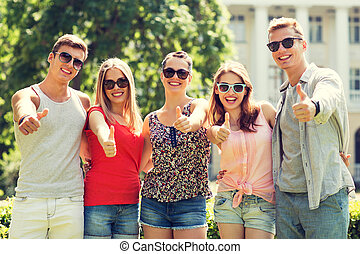グループ, の, 微笑, 友人, 提示, 「オーケー」