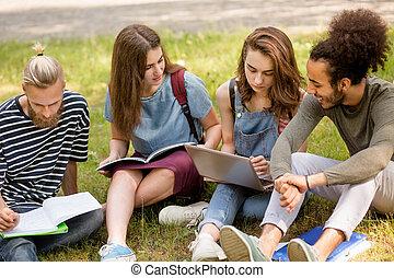 グループ, の, 生徒, すること, チームワーク, 間, モデル, 上に, lawn.
