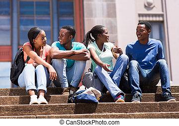 グループ, の, african american, 大学, 友人, 階段 の 着席