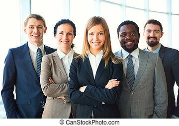 グループ, ビジネス