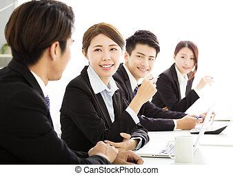 グループ, ビジネス 人々, 一緒に, ミーティング, 持つこと