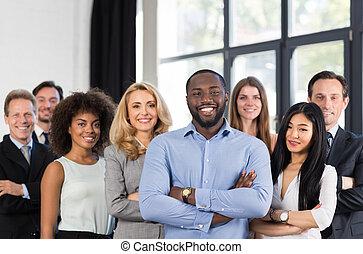 グループ, ビジネス 人々, 成功した, 先導, チーム, オフィス, 折られる, businesspeople, ビジネスマン, 創造的, 混合, アメリカ人, レース, 立ちなさい, 人, アフリカ, 専門家, 上司, 手, スタッフ