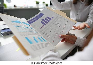 グループ, ビジネス 人々, hol, チャート, 手, セミナー