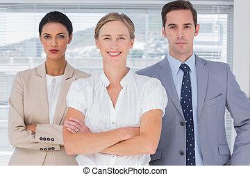 グループ, 人々ビジネス
