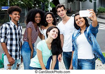 グループ, 人々, 取得, 若い 大人, インターナショナル, selfie