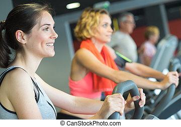 グループ, 体操の バイク, 乗馬, 練習, 女性