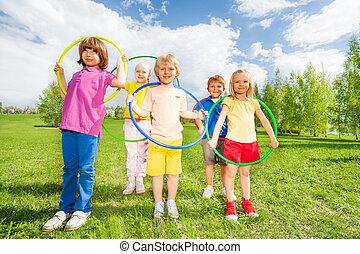 グループ, 公園, 保有物, hula の たが, 子供