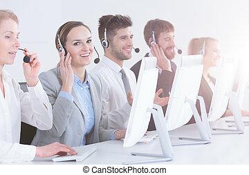 グループ, 呼出し 中心, ビジネス
