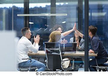 グループ, 成功, ビジネス 人々, 始動, 若い, 祝う
