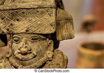 コロンビアの前の, 彫刻