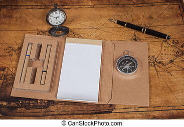コンパス, ∥で∥, ノート, 上に, 古い, 地図, 型, プロセス, スタイル