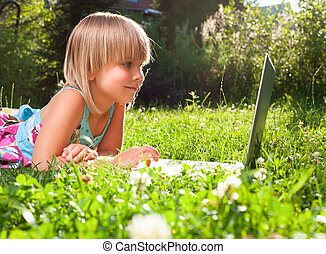 コンピュータ, 子供, 屋外