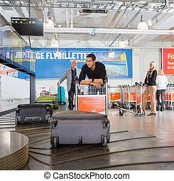 コンベヤー, 待つこと, 手荷物, 空港, 人, ベルト