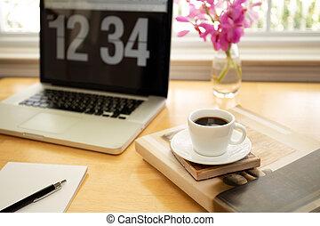 コーヒーカップ, 木製である, ラップトップ・コンピュータ, 机, pen.