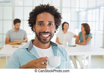 コーヒー, 同僚, 背景, ビジネスマン, 微笑, 持つこと