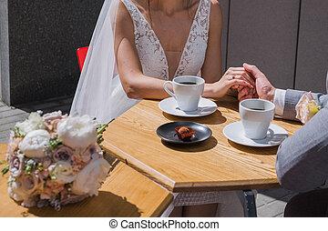 コーヒー, 座りなさい, 花婿, 花嫁, テーブル, 飲むこと, カフェ