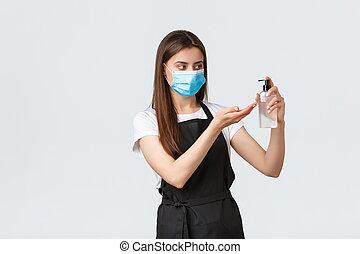 コーヒー, coronavirus, 個人的, カフェ, 後で, 医学, マスク, sanitizer, 衛生, の間, 従業員, エプロン, barista, covid-19, 妨げなさい, 見る, 手, concept., 使うこと, pandemic, 店, 仕事, ウイルス, 黒