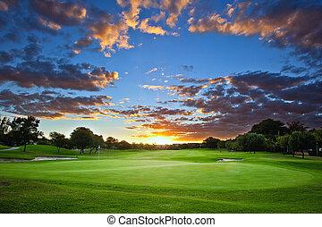 ゴルフコース, 日没