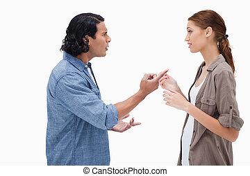 サイド光景, の, 恋人, 持つこと, a, 深刻, 会話