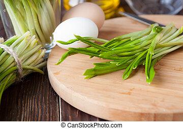 サラダ, 原料, 切断, ニンニク, 野生, 板