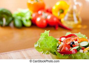 サラダ, 木製である, ギリシャ語, クローズアップ, 野菜, テーブル