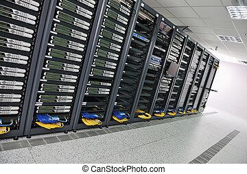 サーバー部屋, ネットワーク