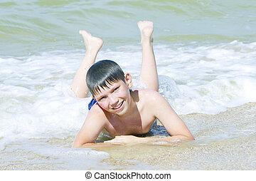 サーフィンをしなさい, 男の子, 浜, あること