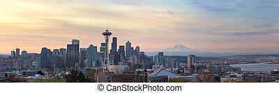 シアトルのスカイライン, ∥で∥, より雨が多くて増しなさい, の間, 日の出, パノラマ