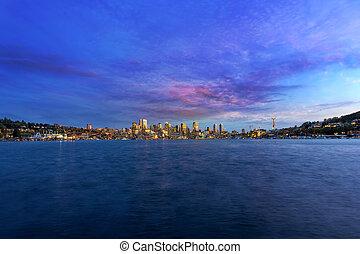 シアトルのスカイライン, 前方へ, 組合, 湖