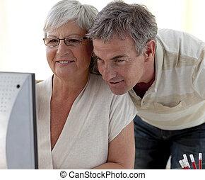 シニア, 家, 使うこと, 恋人, コンピュータ