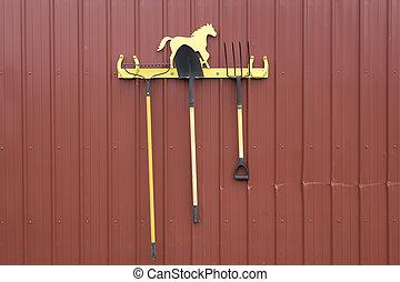 シャベル, 熊手, ラック。, 干し草用フォーク