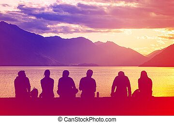 シルエット, グループ, 若い人々, 浜, モデル