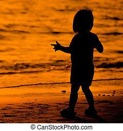 シルエット, 浜, わずかしか, 日没, 子供