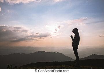 シルエット, 祈ること, 日の出, 宗教, 手, 若い, 人間, キリスト教徒, 概念, 神, バックグラウンド。