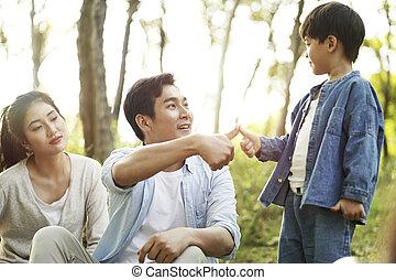 シーリング, アジア人, 父, 取引, 息子